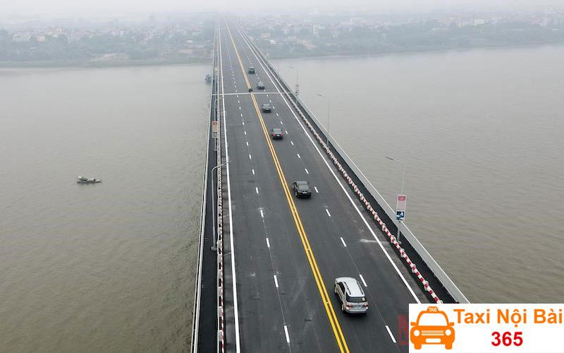 Tuyến đường 1 đi qua cầu Thăng Long