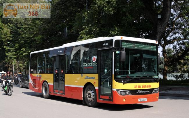 Di chuyển bằng xe Bus